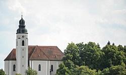 Kirche St. Georg in Hausen.