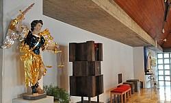 Statue des Erzengels Michael in der Hohenkemnather Pfarrkirche